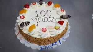 100 jaar taart, foto taartenpagina, taarten, bakkerij rob janssen, elsloo, top taarten, naar wens maken, elsloo, zuid limburg, communie, verjaardag,