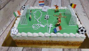 Communievoetbal Amerikaans, foto taartenpagina, taarten, bakkerij rob janssen, elsloo, top taarten, naar wens maken, elsloo, zuid limburg, communie, verjaardag,