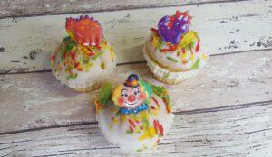 gebak, foto gebakpagina, assortiment, bakkerij rob janssen, elsloo, zuid limburg, carnavals cupcakes
