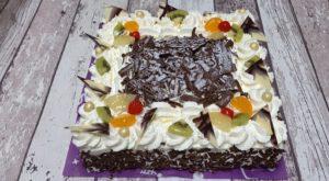 slagroomtaart vierkant chocoladevlokken toptaart, foto taartenpagina, taarten, bakkerij rob janssen, elsloo, top taarten, naar wens maken, elsloo, zuid limburg, communie, verjaardag,