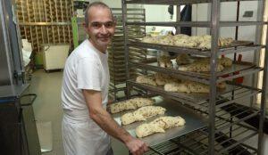 vacature brood en banketbakker, Stevemennekes klaar voor de oven, bakkerij rob janssen, elsloo, zuid limburg, ambachtelijk, broden,