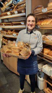 Klein brood foto pagina, Anne Aaldijk, bakkerij rob janssen, elsloo, zuid limburg, ambachtelijke bakker, verkoopster,